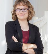 Sarah Stamer profile picture.