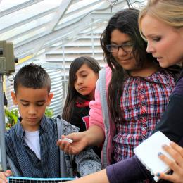 Space Grant Fellow Michelle Coe Brings Biosphere 2 to Manzo Elementary